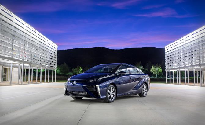 Toyota Mirai Set to Arrive in Northeast U.s. in 2016