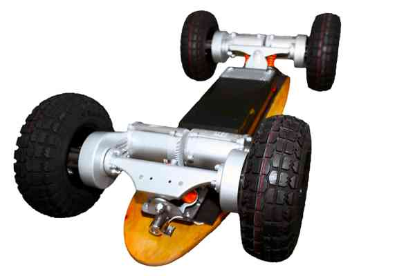 Four Wheel Drive Dominator 3200 Pro X Electric Skate Board