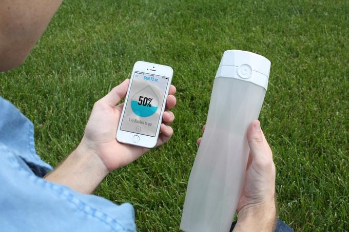 Hidrateme: a Smarter Water Bottle