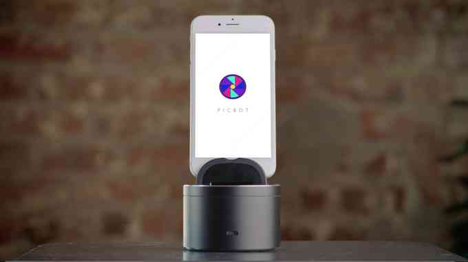 Take Smartphone Photography to the Next Level with the Picbot
