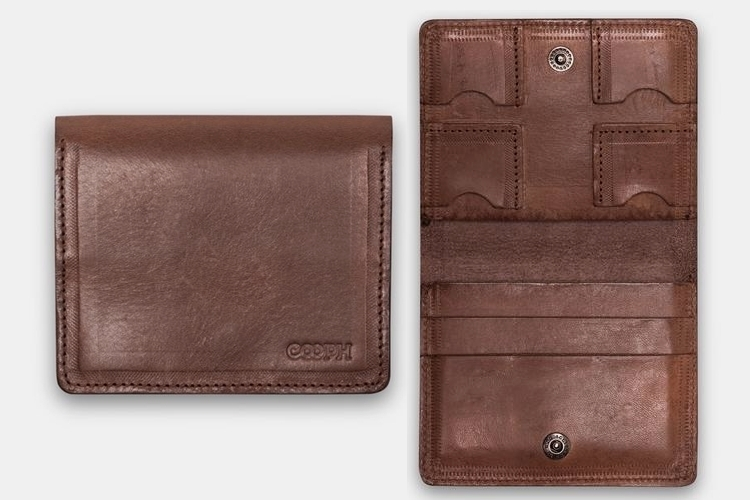 COOPH's Bifold Wallet has Dedicated SD Card Compartments