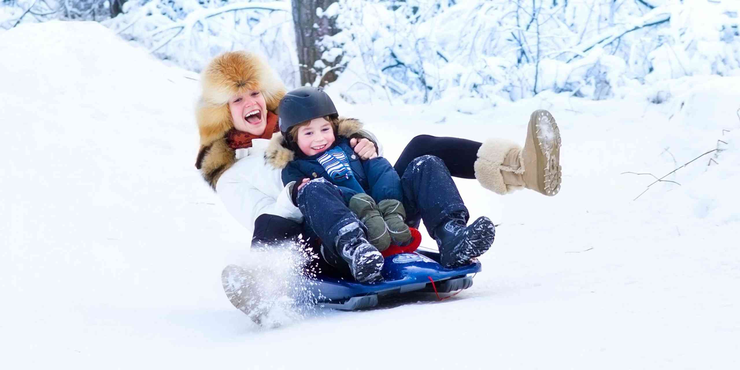 Top 5 Snow Sledges and tubes to maximize fun